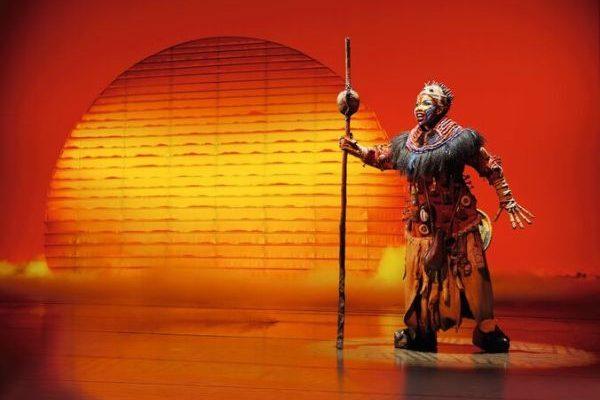 König der Löwen Rafiki © Stage Entertainment